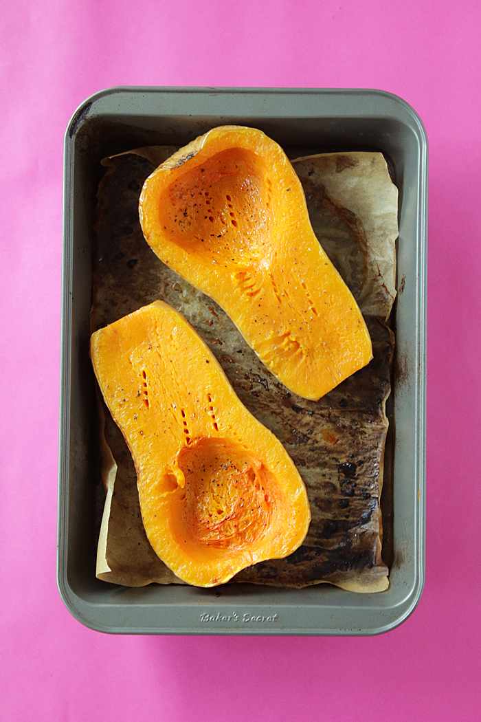 The easiest fluffy, sweet and buttery roasted butternut squash mash in 30 minutes no peeling needed!