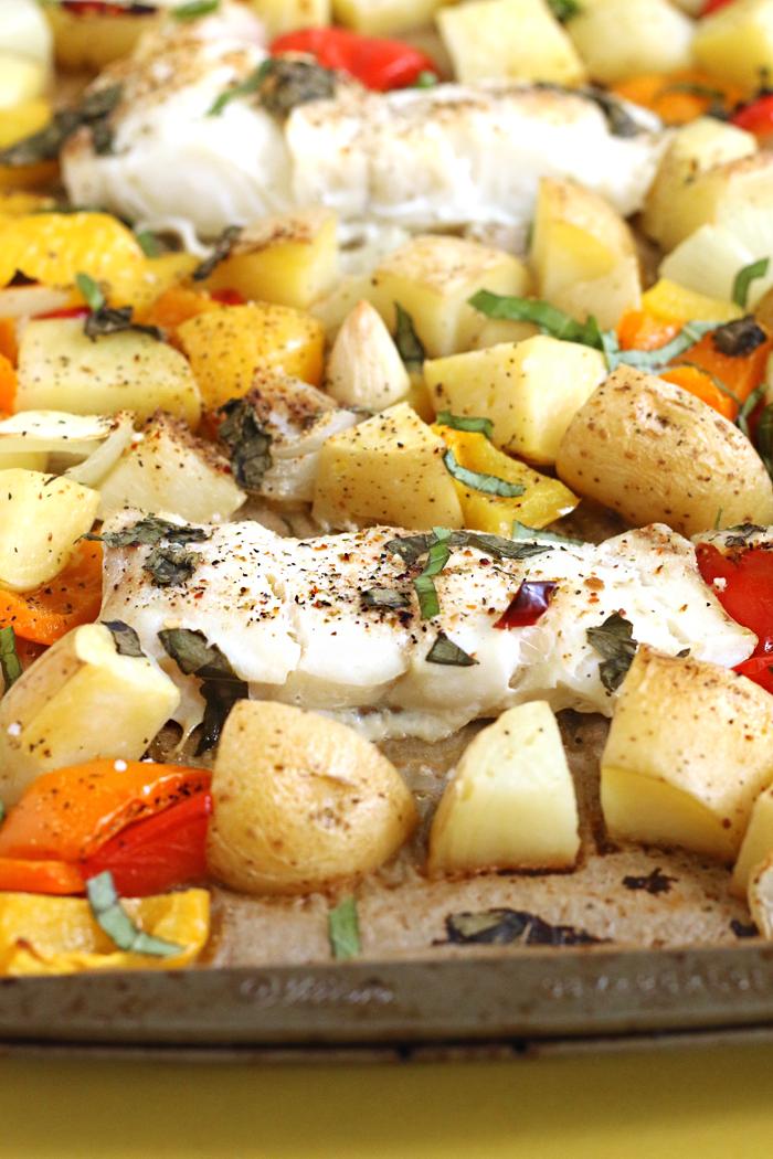 ROASTED CHILLI BASIL FISH & VEGGIES | EASY SHEET PAN DINNER