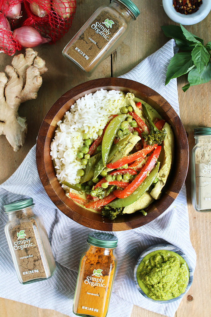 The best Thai Green Curry recipe in under 30 min!