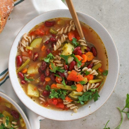 One-Pot Healthy Minestrone Soup