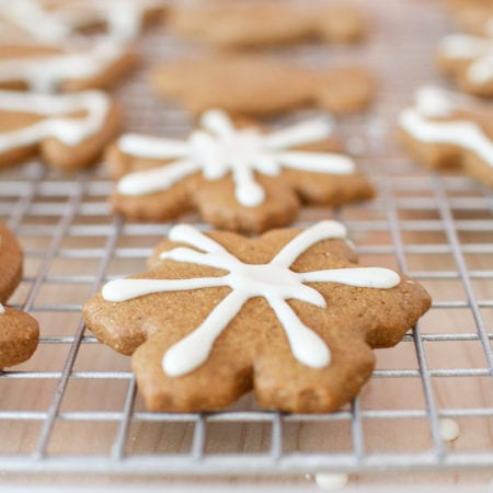 These fun and festive cookies are refined sugar free, full of molasses and warming spices like ginger, cinnamon, nutmeg and cloves - perfect for the holiday season!