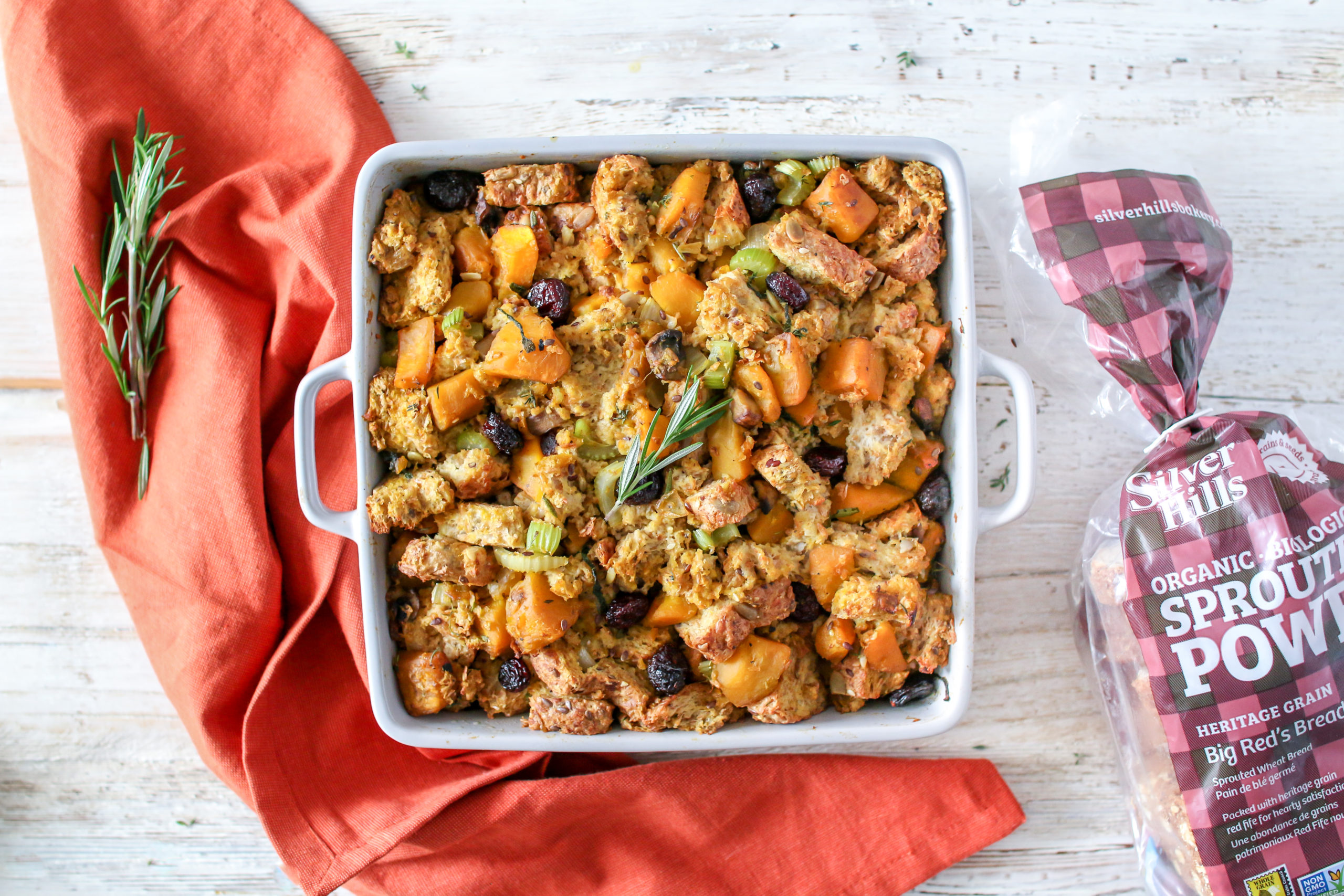 It's no secret that stuffing is a favourite at the Thanksgiving dinner table. With a flavour profile that perfectly encompasses the fall season, it's a dish that most people have been waiting for all year round.