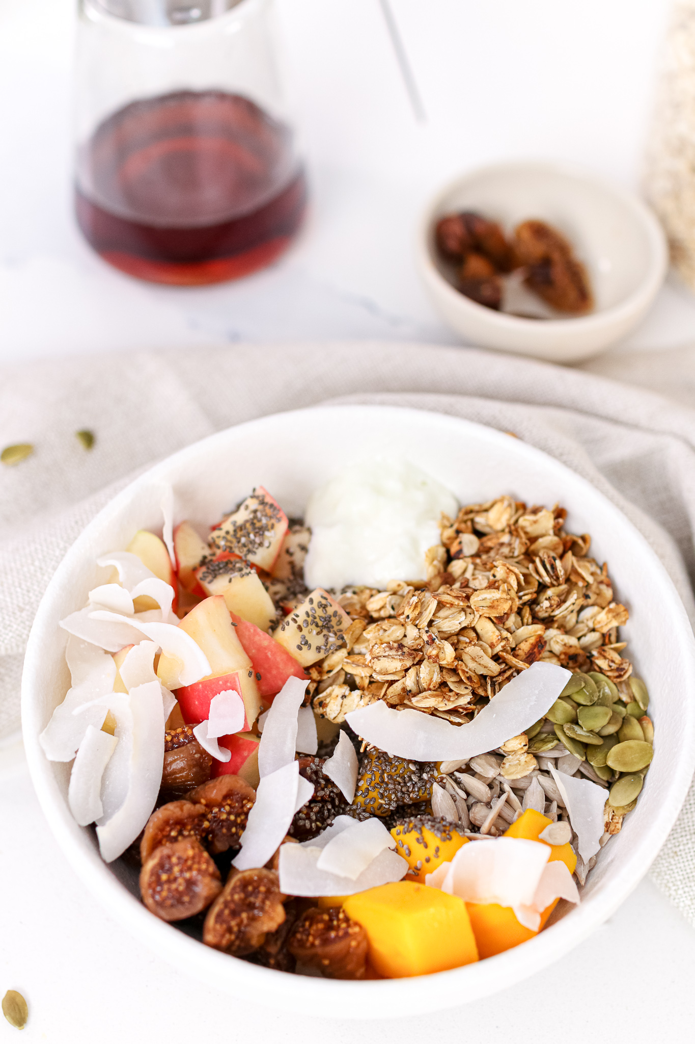 A vibrant and delicious yogurt fruit & granola bowl that is ready in 5 minutes, and packed with protein, fibre and healthy fats to keep you fuelledthroughout the day!